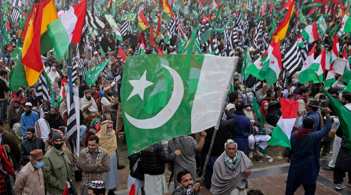 Pak Opposition alliance holds its final rally, announces long march to force PM Imran Khan to resign