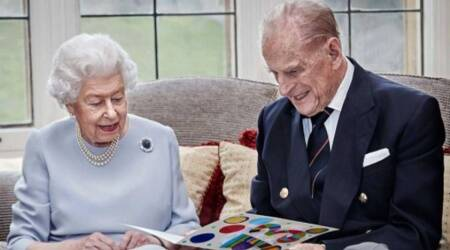 christmas, how the queen celebrates christmas, christmas festivities in the royal household, queen elizabeth, indianexpress, royal family,
