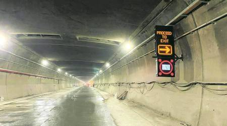Himachal: 10 tourists from Delhi arrested, 3 vehicles seized for obstructing traffic inside Atal Tunnel