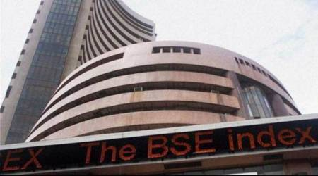 Global selloff drags Sensex by 1.1%; Re falls 31 paise