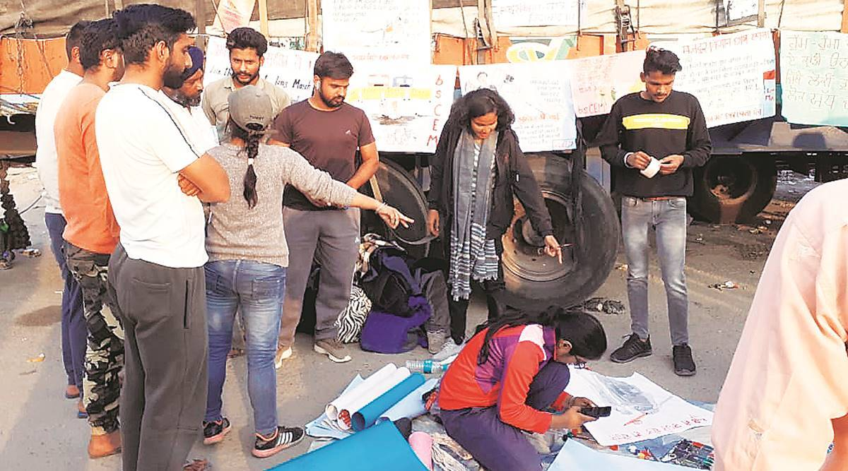 students join farmers protest, farm laws, Punjab farmers, Farmers protest at Singhu border, Farmers protest at Delhi border, Delhi news, Indian express news