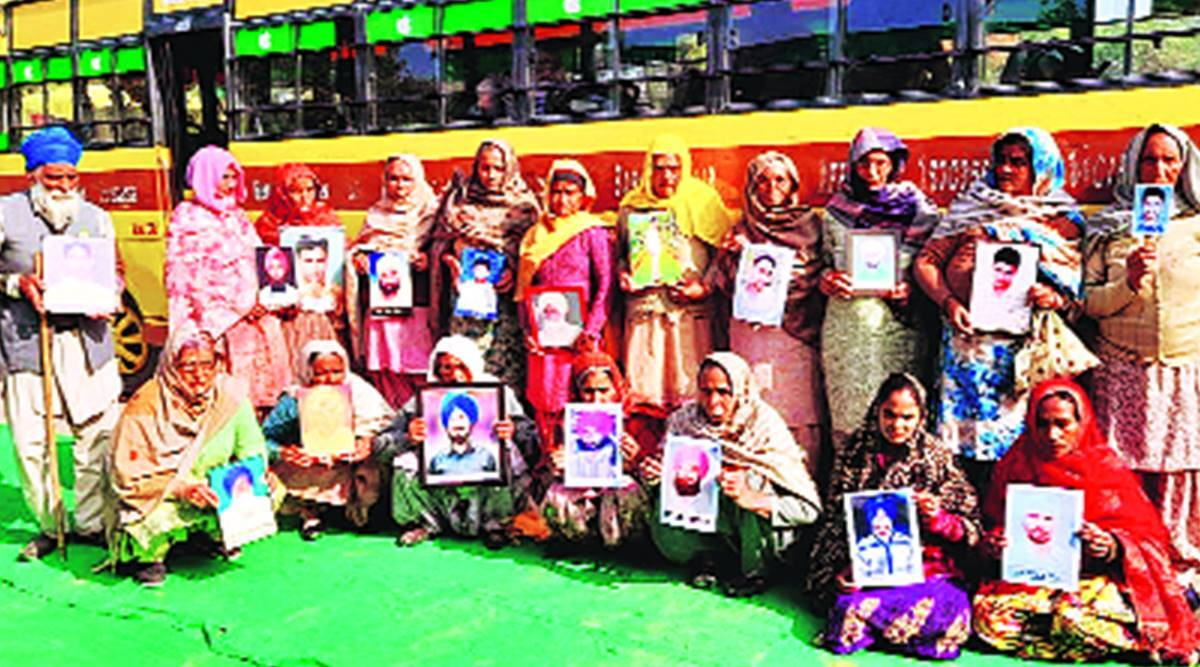 2,000 women protesters head to Delhi to put farm suicides on centre stage
