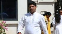 Woman withdraws rape complaint against Dhananjay Munde