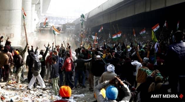 farmers protest top photos, farmers protest top photos photos, delhi red fort photos, delhi red fort violence pics, delhi top photos farmers, farmers rally photos, farmers protest violence red fort, delhi news, delhi photos, top photos of the day, farmers rally photos