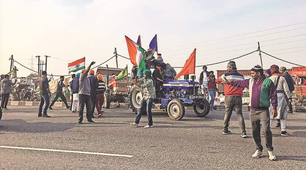 Farmer group breaks through barricades