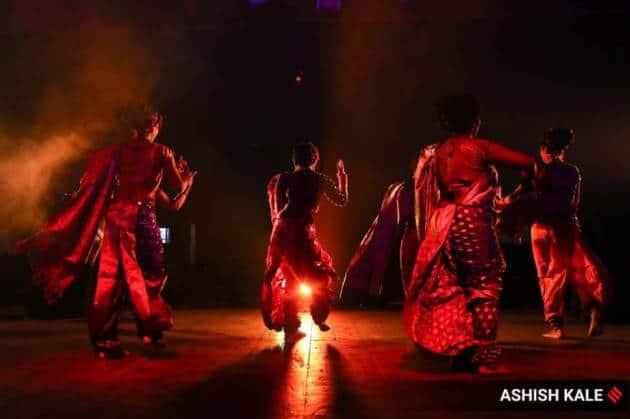 Lavani, Lavani dance form, Lavani dancers, what is Lavani, Lavani dance pictures, Lavani dance form Maharashtra, Lavani dancers performing, Lavani in pandemic, indian express news