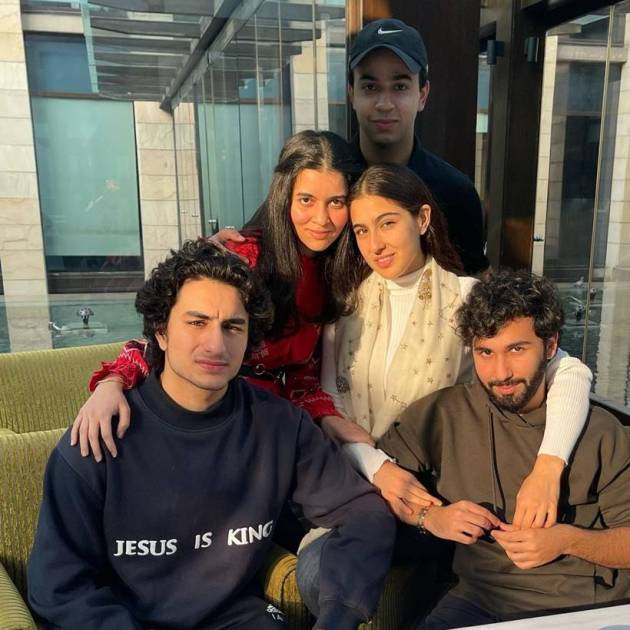 sara ali khan with brother