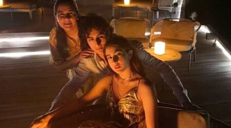Sara Ali Khan family vacation in Maldives photos