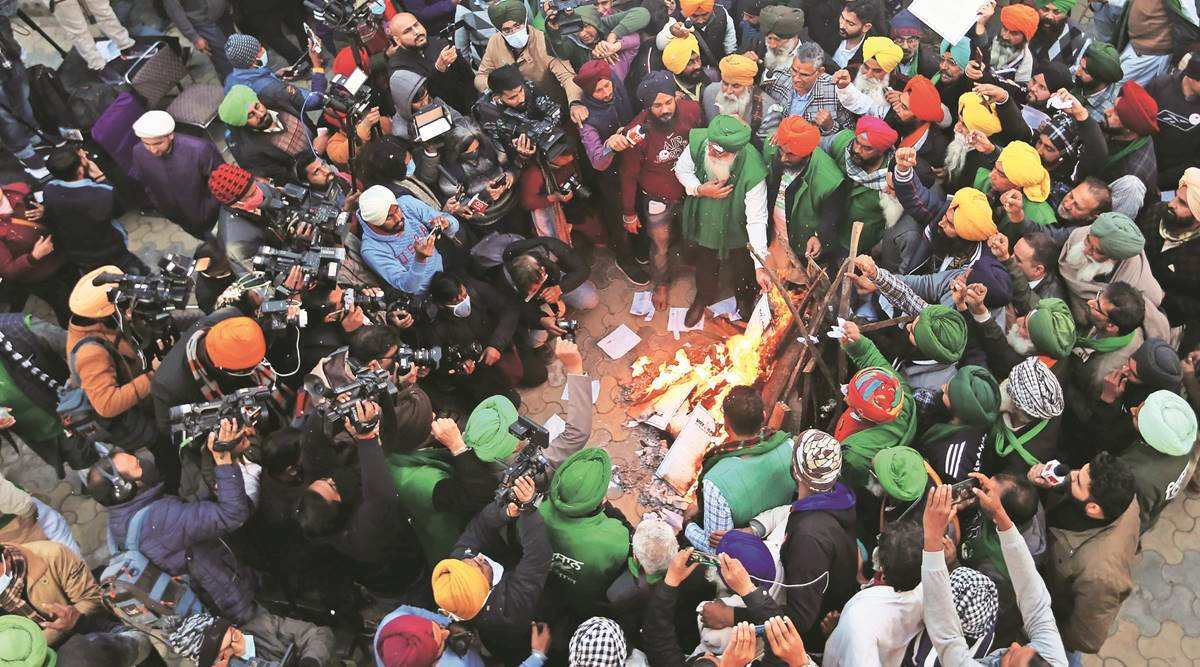 Singhu marks quiet Lohri: 'Real celebrations once laws repealed'