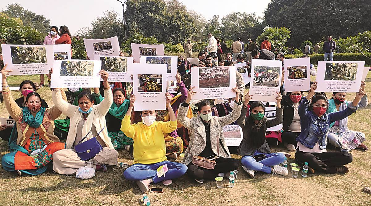Want farmers to end protest: Injured cops, families stage protest: 'Beaten up mercilessly'