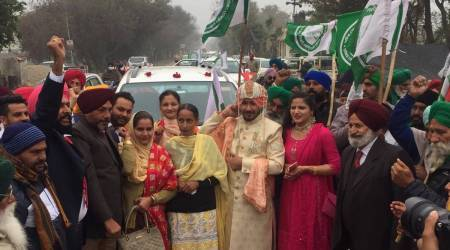 Baraat stops at Punjab toll plaza, joins farmers' protest