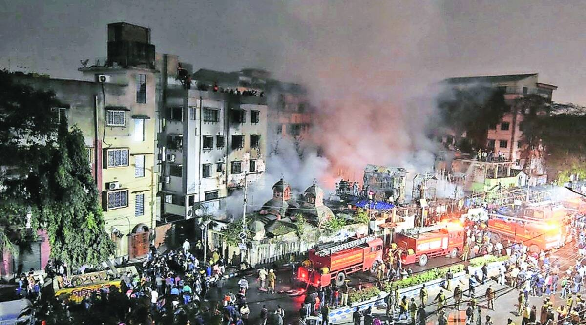 fire, kolkata fire, kolkata fire in shanties, slum fire, kolkata slum fire, shanties gutted, kolkata news, indian express