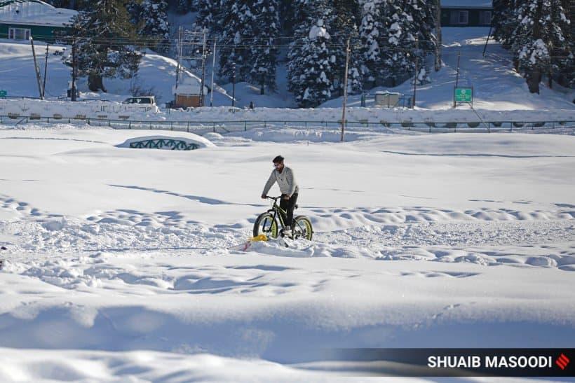 gulmarg snowfall, kashmir snow, gulmarg ski resort, jammu and kashmir news, kashmir snowfall, indian express
