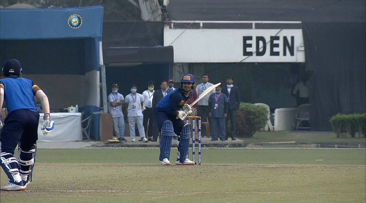 Super over thriller unfolds in Kolkata: Jharkhand defeats Hyderabad in closely contested game