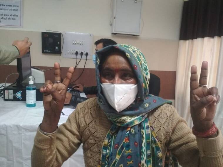 India's Covid vaccination drive: Over 1.9 lakh frontline workers get first jabs on Day 1