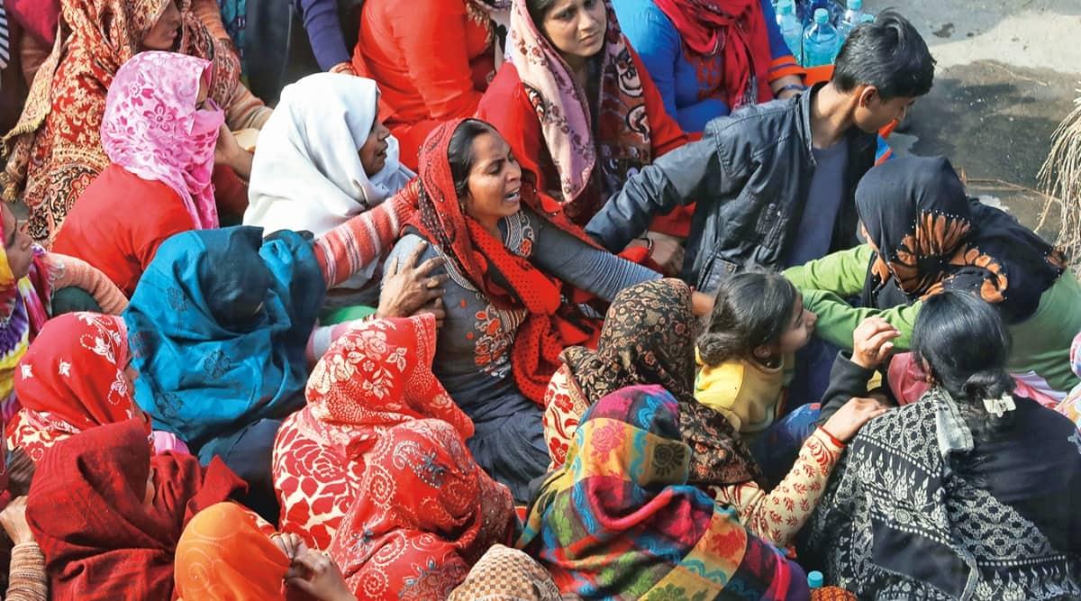 Muradnagar crematorium roof collaps, UP death, Ghaziabad news, UP news, Indian express news