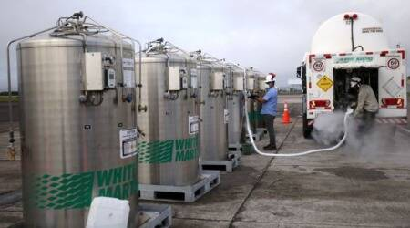 Brazil airlifts emergency oxygen into pandemic-struck state, vaccine drive lags