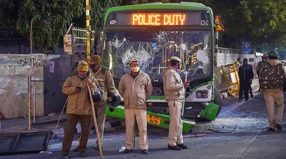 Amit Shah, Republic Day violence, Tractor rally violence, Delhi violence, Red Fort protest, Cops injured in Delhi violence, India news, indian express