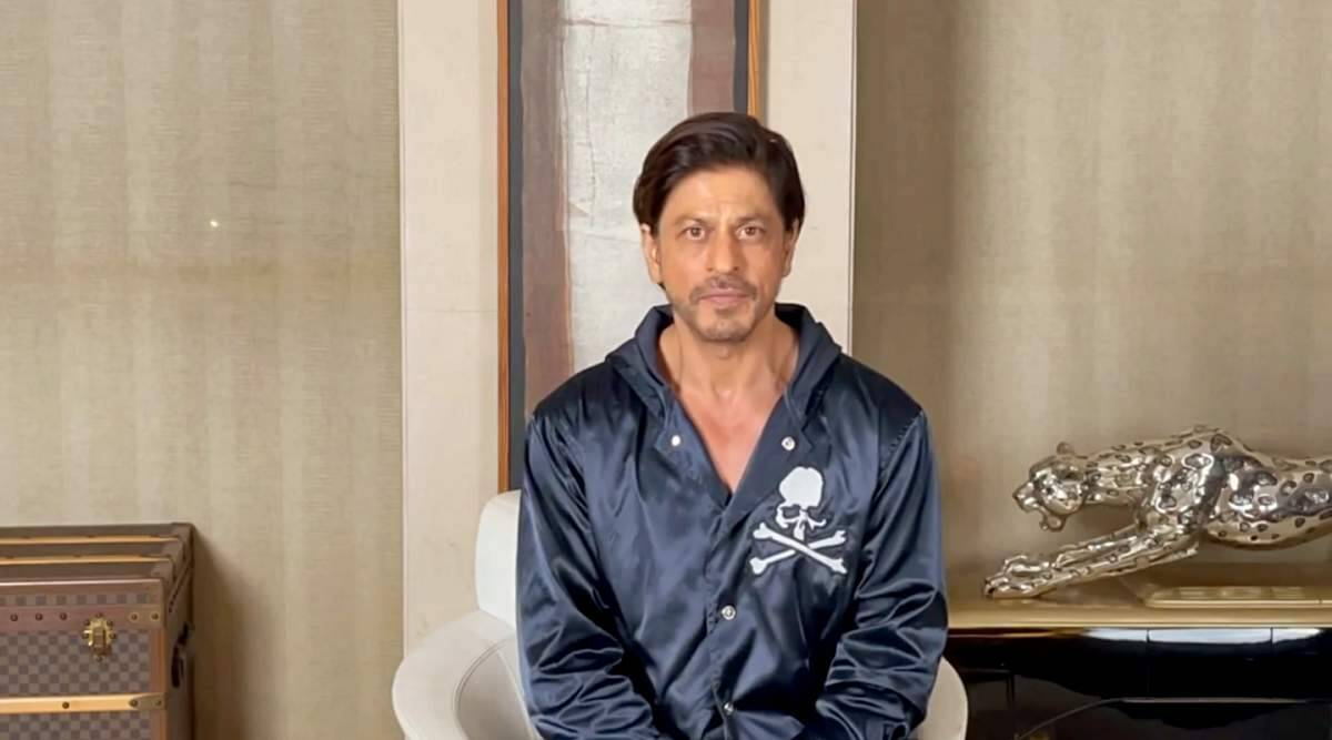 Shah Rukh Khan vows to make a comeback on silver screens in 2021