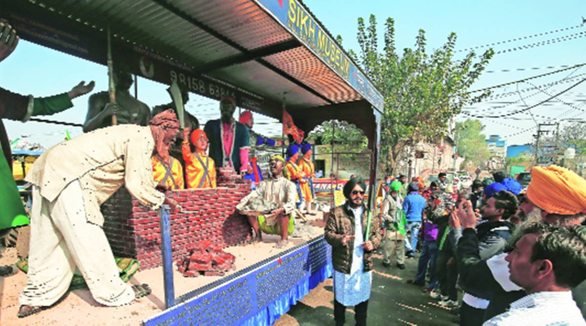 Latest attraction at Singhu: A 'museum' on wheels showcasing Sikh culture and history