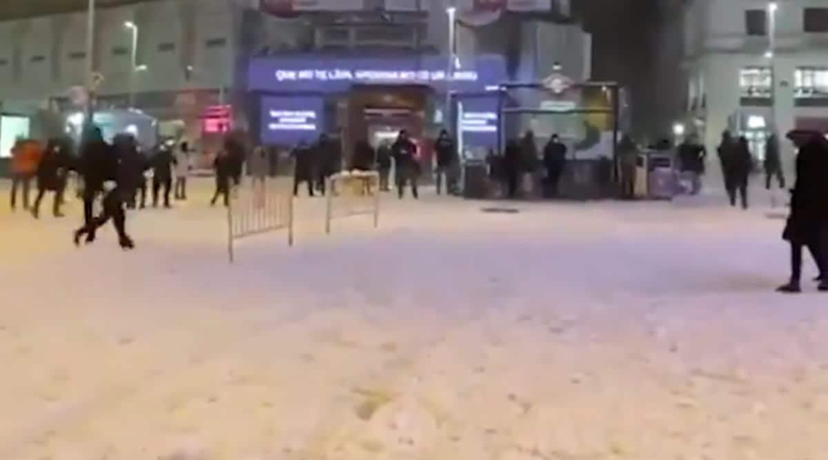 Madrid, Madrid snowfall, Madrid snowfight, spain, spain snowfall, Plaza de Callao Madrid, trending, indian express, indian express news