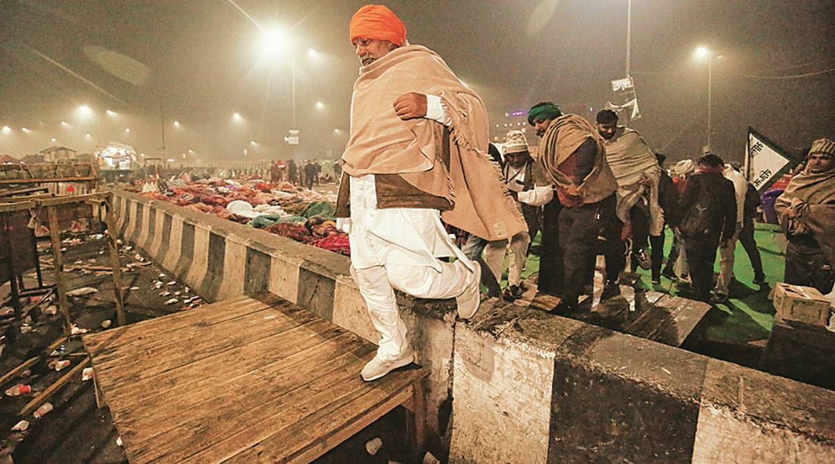 Day after in Ghazipur: as convoys roll in, protest gets fresh impetus
