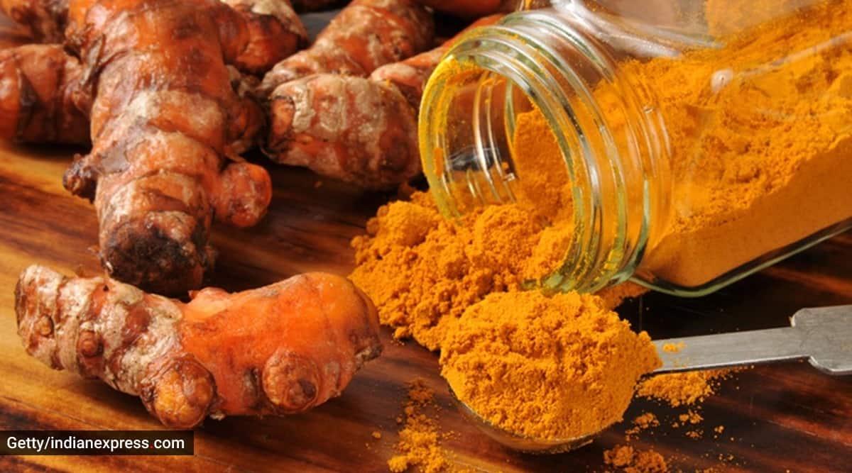 Geeta Vara, turmeric root, turmeric benefits, fresh turmeric benefits, indianexpress.com, indianexpress, haldi benefits, antiinflammatory food, immunity booster, immunity ayurveda, raw turmeric,