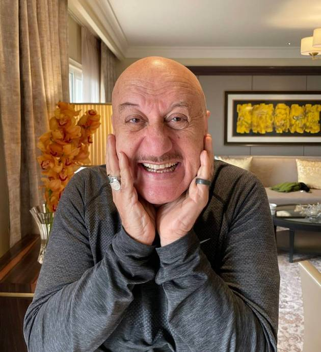 anupam kher are you fine challenge photo