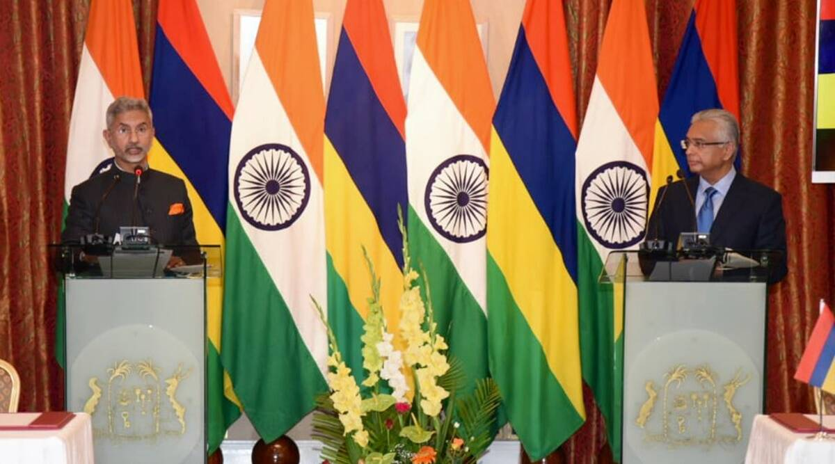 Jaishankar meets Mauritius foreign minister, reviews 'excellent' bilateral relations