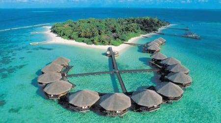 Maldives, Maldives resort