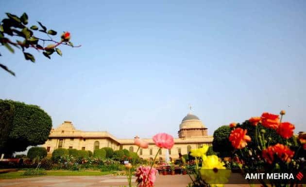 Express Wanderlust, Mughal Gardens, Mughal Gardens pictures, about Mughal Gardens, Mughal Gardens Delhi, visiting Mughal Gardens, Mughal Gardens photographs, Mughal Gardens history, Mughal Gardens location, where is Mughal Gardens, what is Mughal Gardens, Indian Express news