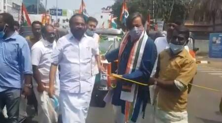 Shashi Tharoor, fuel hike protest