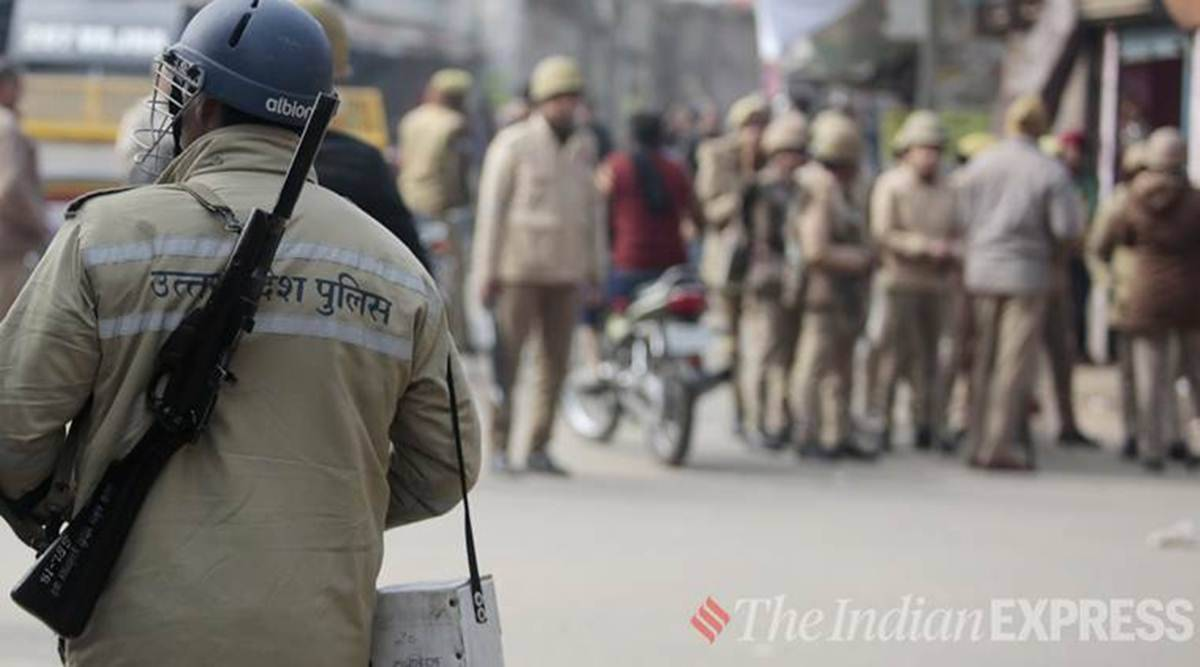 Etah police, 1,400 seized liquor, cops suspended, uttar pradesh news, up news, indian express