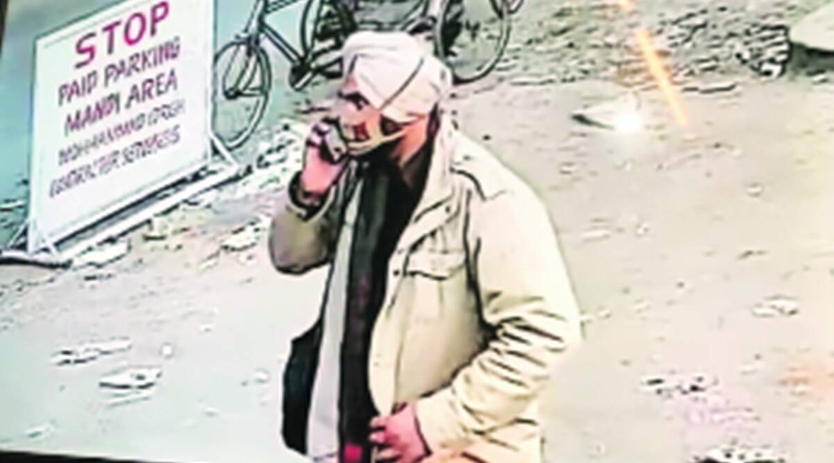 Uniformed Cop held for stealing Rs 1.50L from bag of fuel station employee