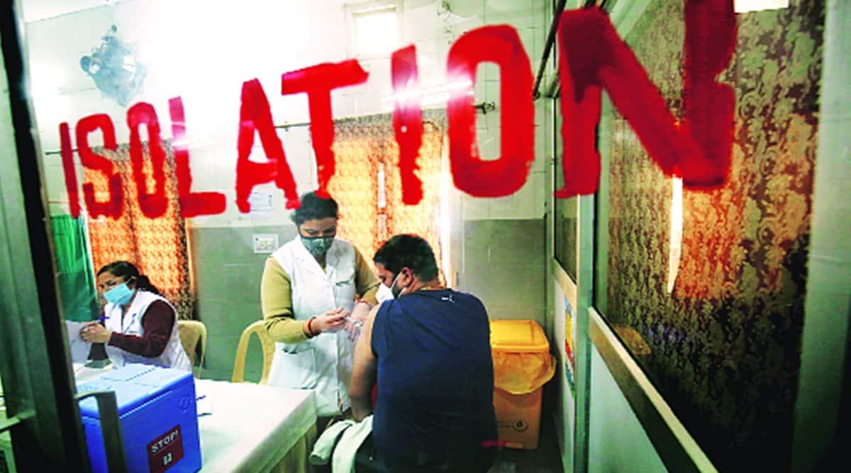 Delhi covid, Delhi covid vaccine, delhi covid vaccination, Delhi covid vaccine shots, indian express news