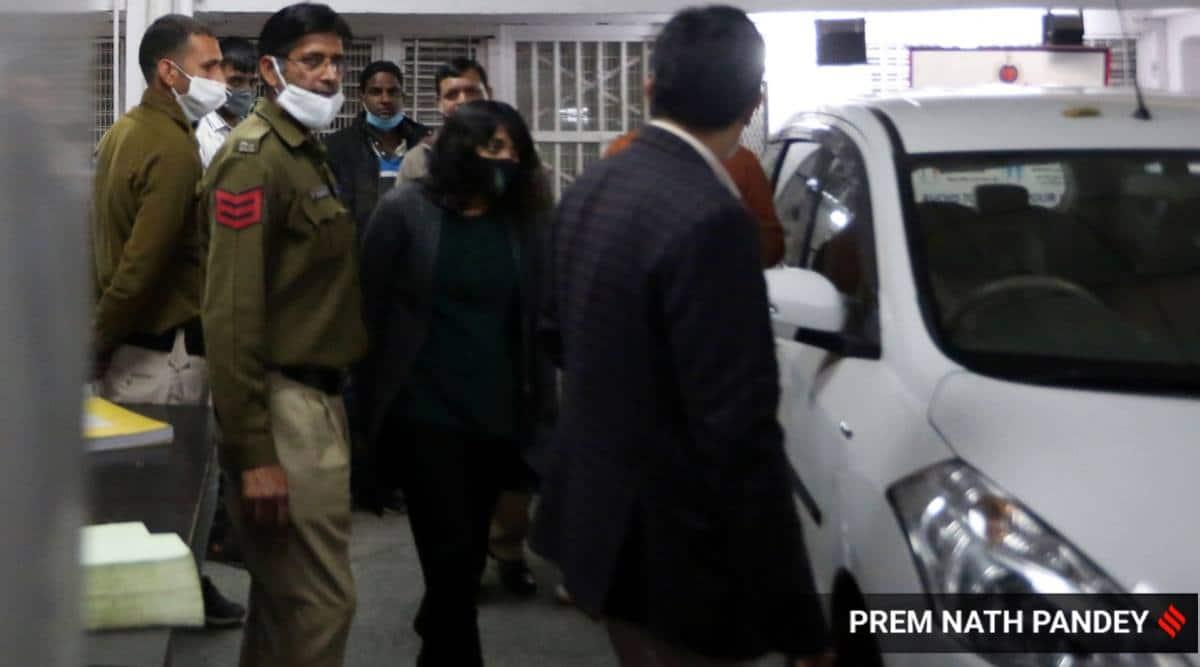 Court seeks police response on Shantanu Muluk's anticipatory bail plea