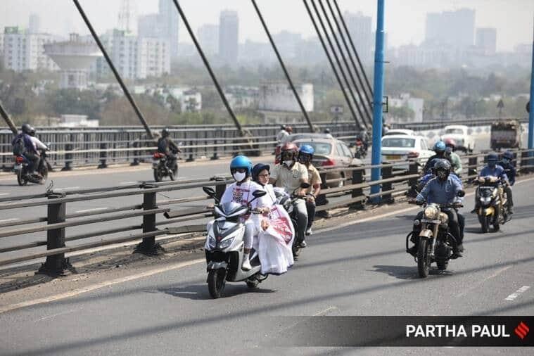 Mamata Banerjee, West bengal elections 2021, BJP Kolkata, Fuel price hike, Fuel price hike protest, India news, Kolkata news, Indian Express news