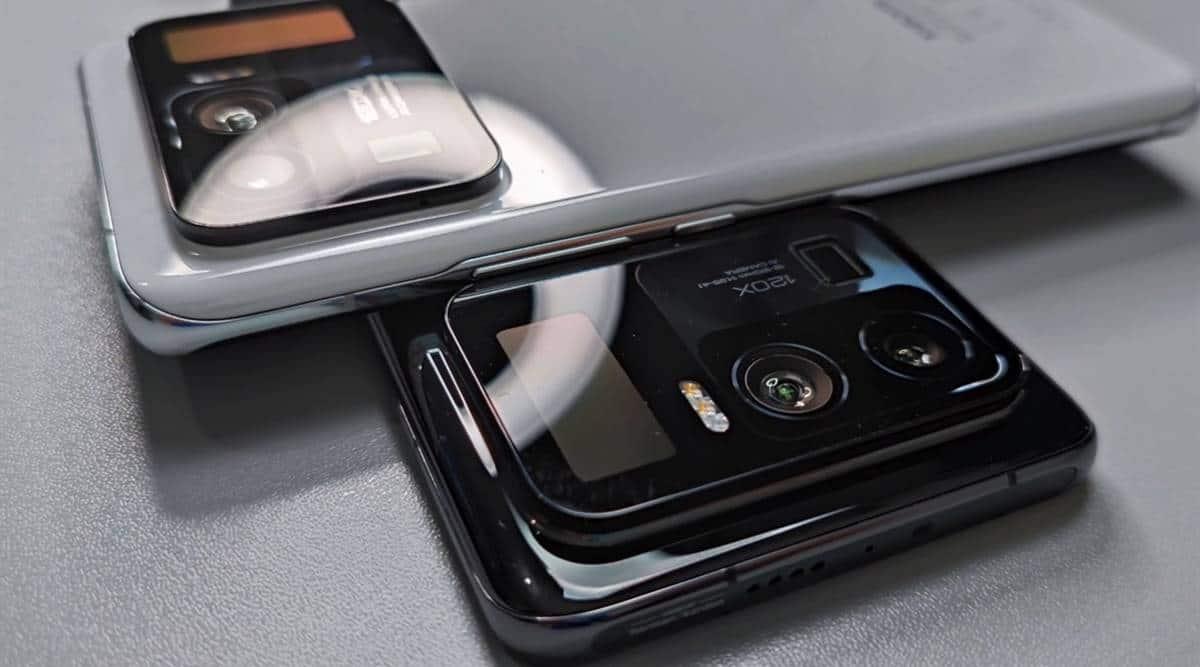 mi 11 ultra, mi 11 ultra hands on video, mi 11 ultra leaks, mi 11 ultra leaked specs, mi 11 ultra second screen, mi 11 ultra secondary display, mi 11 ultra small screen