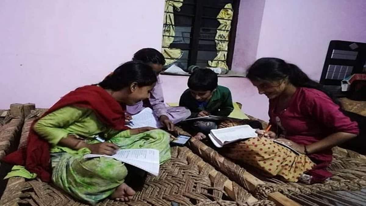 online education, mohalla schools, javadekar, education news, online education status india