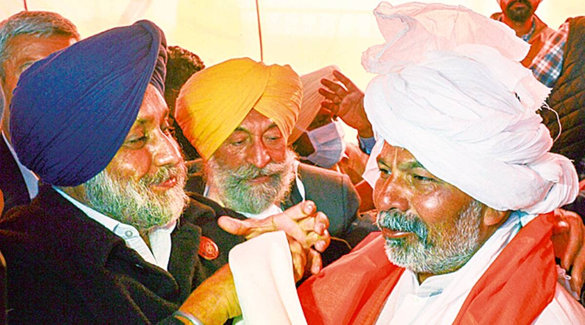Sukhbir meets Tikait, Sukhbir Singh Badal, Rakesh Tikait, SAD support, Farmers protest, Farmers tractor rally, Farm laws, Chandigarh news, Indian express news