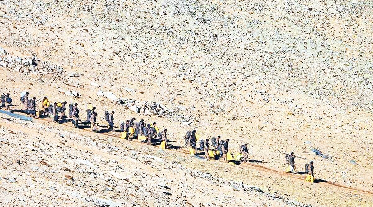 Chinese troops, Chinese troops pull back, Pangong Tso area, india china border sipute, Kailash Range, PLA, latest India china border news, Indian express news