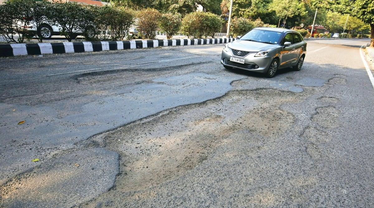 Delhi roads, Delhi Potholes, Siri Fort Road, PWD, Delhi routine maintenance work, Delhi road repair, Delhi road construction, Delhi news, Indian express news