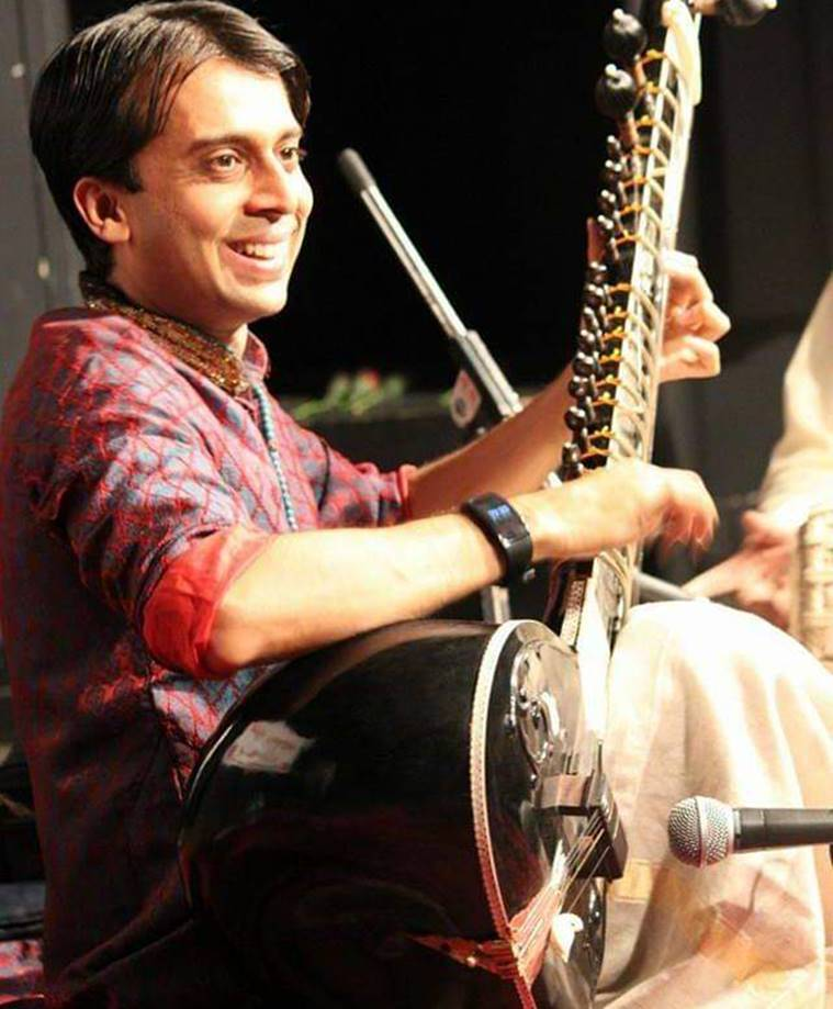 Sitar player Sameep Kulkarni to perform in his 1000th concert today