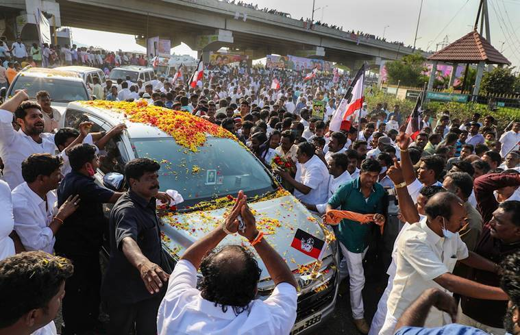 Sasikala reaches Chennai after 23 hour road trip from Bengaluru