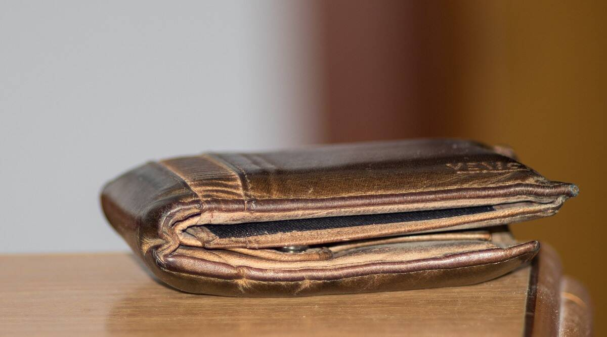 lost wallet returned, man reunited with wallet, man lost wallet in antarctica returned, us man returned wallet from antarctica, odd news, indian express