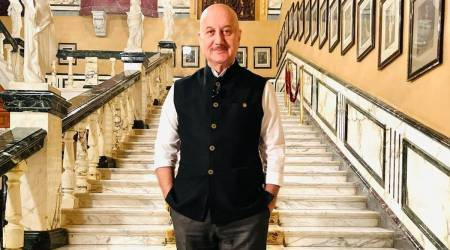 WATCH: Inside Anupam Kher's birthday 'pawri' with his friends