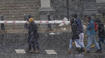 2,000 flights cancelled in Denver as heavy snowstorm arrives