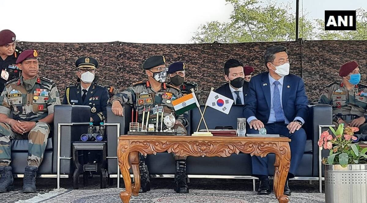 Korean defence minister, Indian army, M M Naravane, Suh Wook, Indian Army's paratroopers, india news, indian express