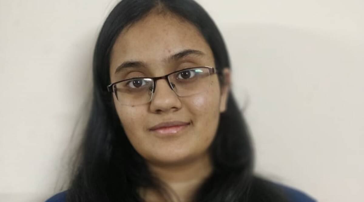 Kavya Chopra tops JEE Main 2021, becomes first female to score 100  percentile | Education News,The Indian Express