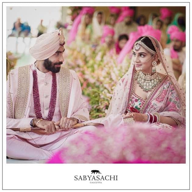 Jasprit Bumrah Sanjana Ganesan love story